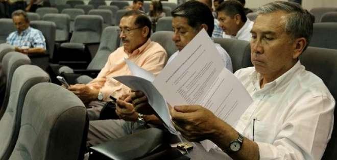 El presidente de El Nacional encaró a Luis Baldeón, quien pertenece a una radio quiteña. Foto: API