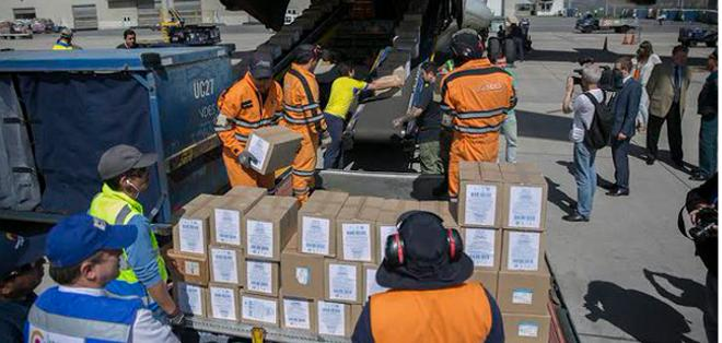 MANTA.- La ayuda dispuesta por Rusia ya arribó a Manta. Foto: Tw Cancillería Ecuador.