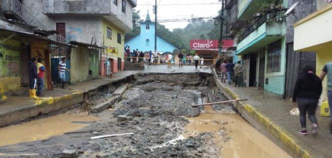 Según la Gobernación de Santo Domingo, hay 40 familias damnificadas y 200 evacuados. Foto: Ministerio del Interior
