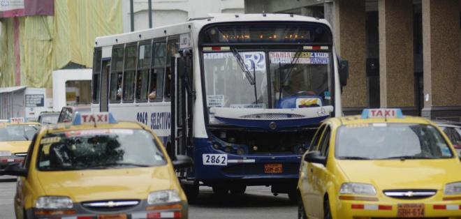 GUAYAQUIL, Ecuador.- La ATM emitió una resolución con varias directrices que los buses deben acoger hasta el 31 de julio. Foto: Archivo