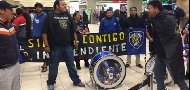 Hinchas de Independiente del Valle recibieron al histórico semifinalista de la Copa Libertadores.