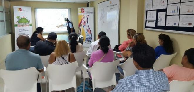 El Ministerio de Salud dicta charlas de prevención en los diferenctes centros médicos. Foto: @Salud_CZ8