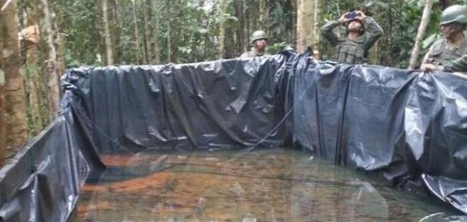 Autoridades sospechan que se podría usar el combustible para el refinamiento de la pasta base de cocaína. Foto: Referencial.