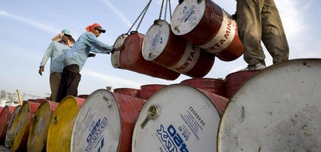 Rusos y saudíes proponen un millón de barriles diarios más. Foto: Archivo