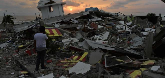 ECUADOR.- El presidente Correa cifró en 673 el número de fallecidos por el terremoto. Foto: Archivo
