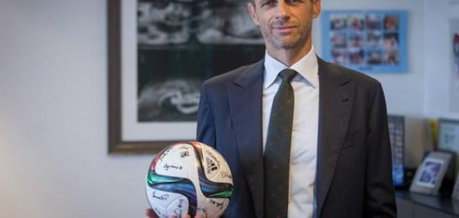 El esloveno Aleksander Ceferin ganó la presidencia de la UEFA en el congreso de Atenas.
