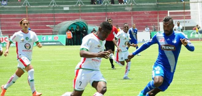 Mushuc Runa superó 3-0 a Emelec, que se aleja de los primeros lugares del torneo.