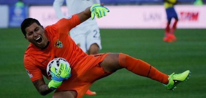 El portero Romel Quiñónez no estará en los próximos cotejos por Eliminatorias.