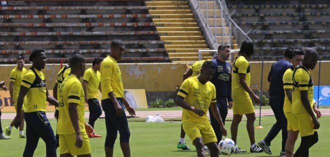 La selección ecuatoriana se enfrentará con Paraguay este jueves por la fecha 13 de eliminatorias. Foto: Archivo