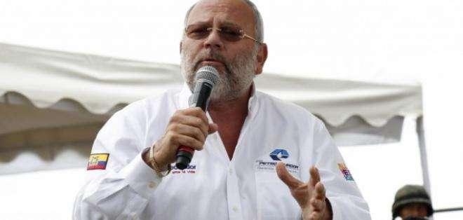 Un análisis sobre la salida de Carlos Pareja Yannuzzelli, vinculado a caso de corrupción.