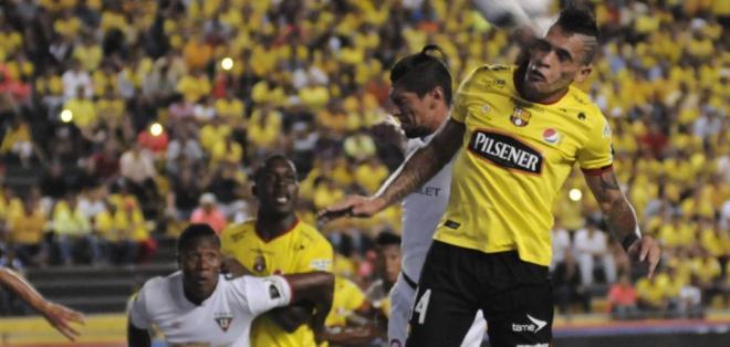 ECUADOR.- Liga de Quito y Barcelona protagonizan el cotejo más atractivo de la jornada 14. Foto: Archivo