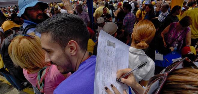 Opositor Henrique Capriles restó importancia a postergación de elecciones de gobernadores. Foto: Archivo de AFP