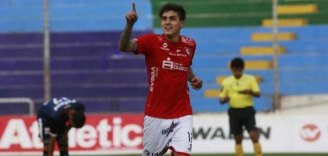José Andrade tiene 23 años, es delantero y milita en el fútbol de la segunda división peruana.