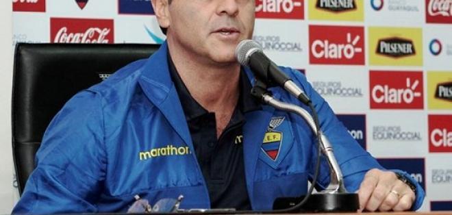 Gustavo Quinteros dio vuelta a la página y ya piensa en el cotejo con Venezuela.