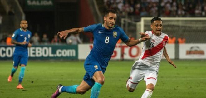 Renato Augusto fue el autor del segundo gol de Brasil en Perú. Foto: AFP