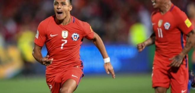 Alexis Sánchez marcó un doblete en el triunfo de Chile sobre Uruguay.