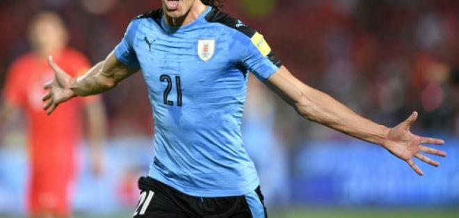 El atacante uruguayo es el actual goleador de las eliminatorias sudamericanas con 8 tantos. Foto: AFP