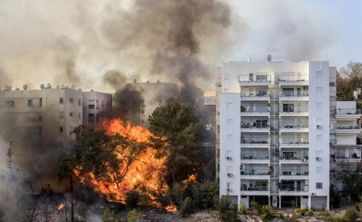 . Aviones procedentes de Grecia y Chipre llegaron al país, después de que el primer ministro Benjamin Netanyahu hiciera un llamamiento para reforzar los servicios de emergencia. Foto: AFP