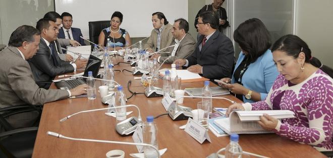 Deberán informar de sus acciones para investigar casos de corrupción en Petroecuador. Foto: @AsambleaEcuador
