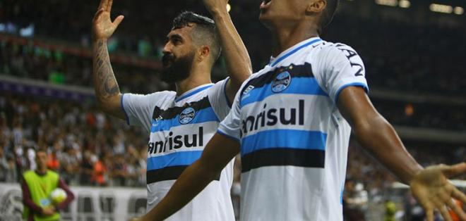Gremio derrotó de visitante a Atlético Mineiro en la final de ida de la Copa de Brasil.