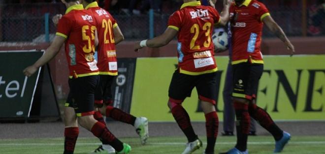 Deportivo Cuenca venció 3-1 a Mushuc Runa y lo complica con el descenso.