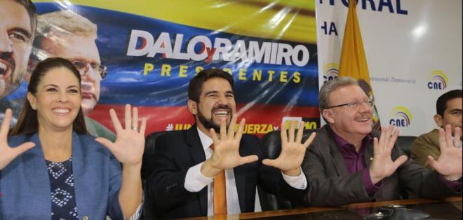 Para decidirse por su compañero de fórmula Ramiro Aguilar, Dalo Bucaram consultó a sus seguidores en redes.