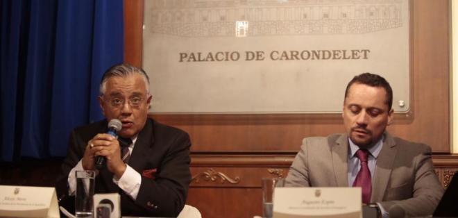 QUITO, Ecuador.- El secretario jurídico de Presidencia (i) recordó que la constructora fue expulsada en 2008. Foto: API
