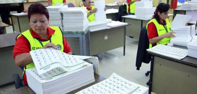 ECUADOR.- En total, 76'881.399 papeletas y documentos electorales se emplearán en los comicios de 2017. Foto: Archivo