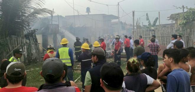 7 viviendas de construcción mixta fueron consumidas por las llamas. Foto: Inclusión Zona 7