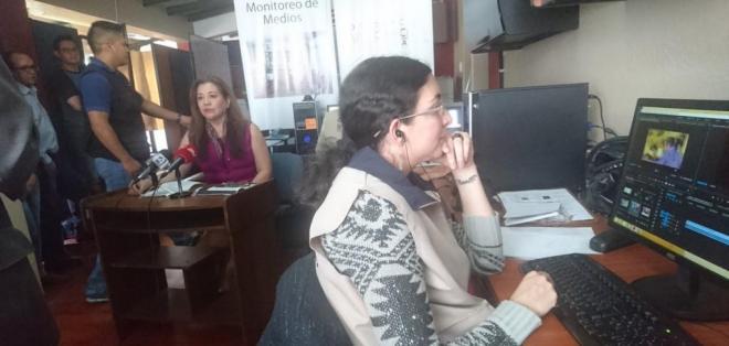 QUITO, Ecuador.- Los técnicos supervisarán si se usan bienes públicos para promocionar nombres u organizaciones políticas. Foto: Twitter Participación Ec.