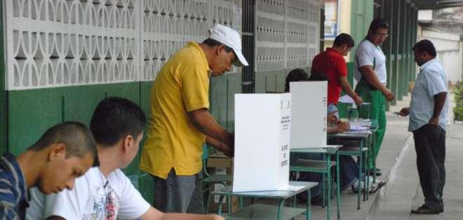 Pichincha, Sucumbíos y Manabí fueron algunas de las provincias visitadas por los postulantes. Foto referencial / eldiario.ec