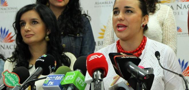 ECUADOR.- Gabriela Rivadeneira es una de las legisladoras que pidió licencia. Rosana Alvarado asume presidencia. Foto: Archivo