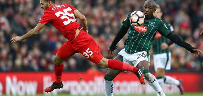 Liverpool no pudo con el Plymouth Argyle por la FA Cup y deberá jugar el desempate.