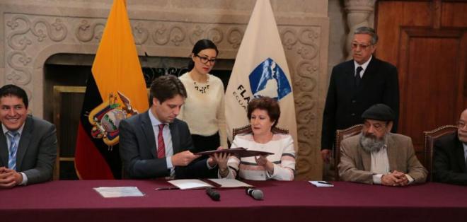 QUITO, Ecuador.- La Facultad Latinoamericana de Ciencias Sociales (Flacso) llega a un acuerdo con el Gobierno sobre la asignación de recursos para investigación. Foto: Cancillería