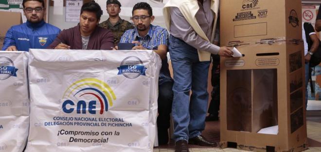 Más de 12 millones de ecuatorianos están llamados a votar el 19 de febrero. Foto: API