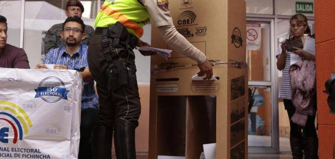 El sufragio es optativo para los miembros de la Policía. Foto: API