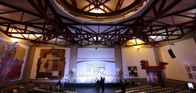 QUITO, Ecuador.- La delegación del Gobierno viaja hoy a Ecuador para la reactivación de los contactos que permitan concretar la fecha de instalación de la mesa pública de diálogos. Foto: Archivo