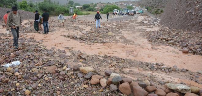 La novena etapa del rally Dakar tuvo que ser suspendida por un deslizamiento de tierra.