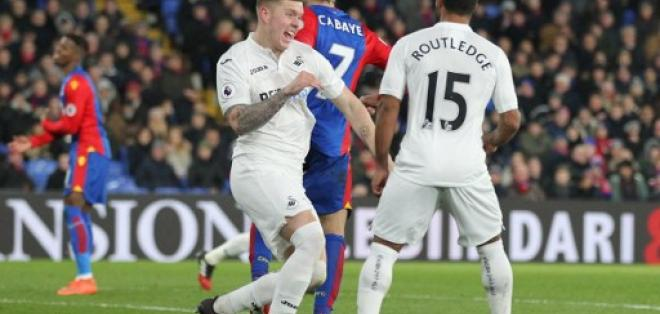 El Swansea pelea por no descender en la Premier League. Foto: AFP