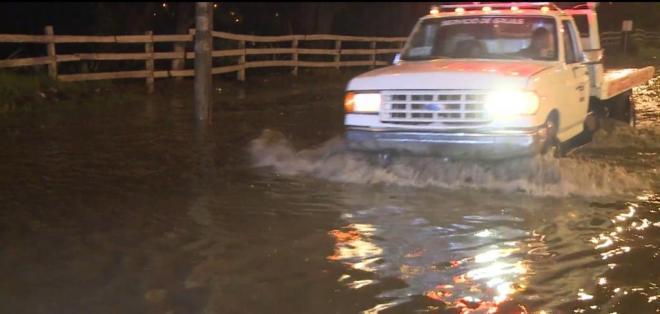 Las precipitaciones ocasionaron el colapso de las alcantarillas en varios sectores.