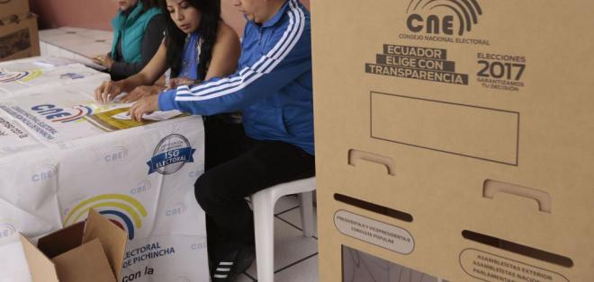 El CNE informó que existen 12 empresas autorizadas para el exit poll. Foto: API