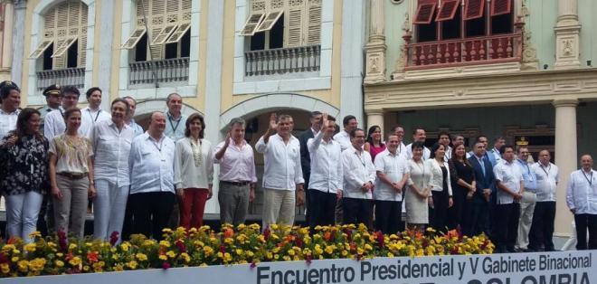 Correa y Santos finalizaron esta tarde en Guayaquil el V gabinete binacional. Foto: @CancilleriaEc