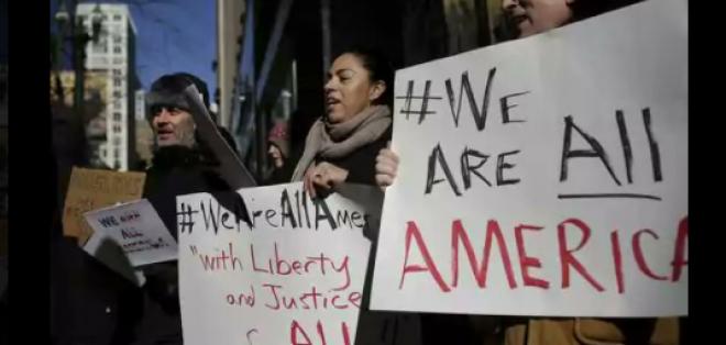 """Con la manifestación, los migrantes buscan demostrar que son """"importantes"""" para la economía de EE.UU. Foto: tomado de USA Today"""