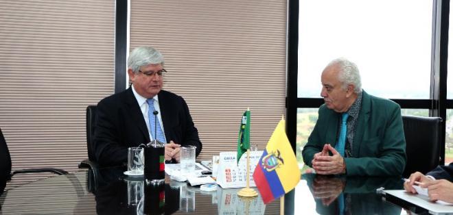 BRASIL.- El procurador de Brasil (i) ratificó que Ecuador solicitó información del caso en diciembre. Foto: Fiscalía de Ecuador