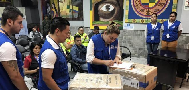 Juntas Receptoras del Voto se instalaron con la presencia de las misiones internacionales. Foto: CNE