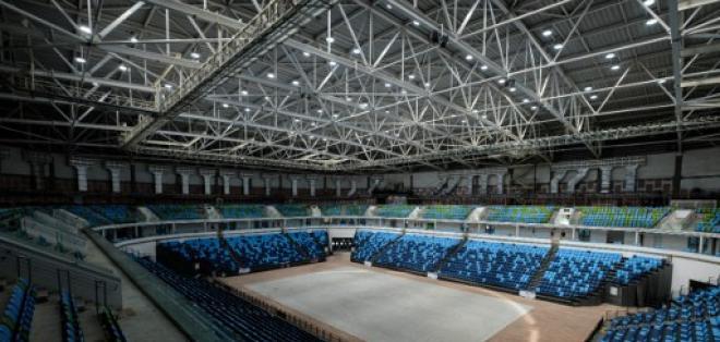 Las sillas de la parte superior del Arena Carioca 1, donde se disputó basket, has sido removidas. Foto: AFP