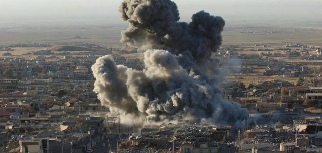 ADÉN, Yemen.- Aviones atacaron un puesto de control de rebeldes en las costas del mar Rojo, en Yemen. Foto: AFP.