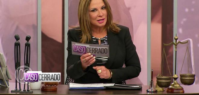 La presentadora explicó lo que realmente sucede en el set.