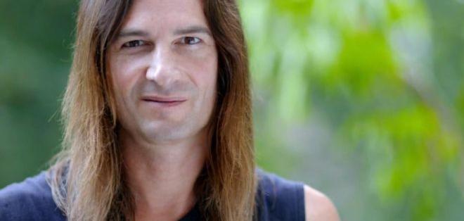 Steve Ludwin tiene su propia colección de serpientea y lleva casi 30 años inyectándose.