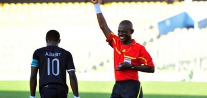 Joseph Lamptey (d.) cometió un error en el partido entre Senegal y Sudáfrica por eliminatorias. Foto: Tomada de Pulse.com.gh